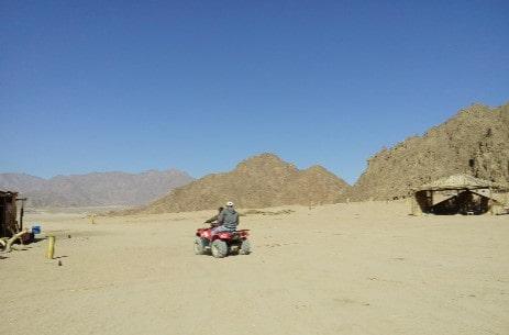 Экскурсия на квадроцикле у бедуинов в пустыне